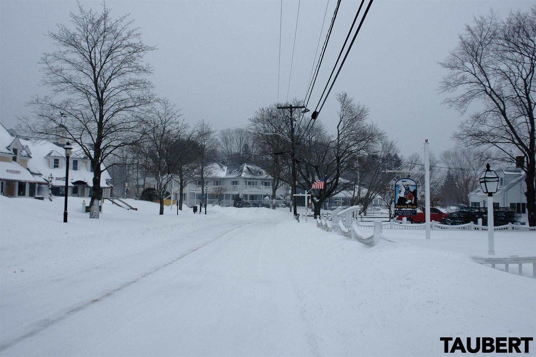 What does a blizzard look like in Perkins Cove, Ogunquit? #Juno - Ogunquit Barometer